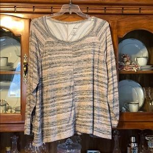 Light weight long sleeve tunic
